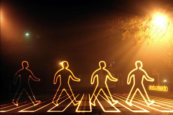 lg s10 Tạo Hiệu Ứng Glowing Light Painting